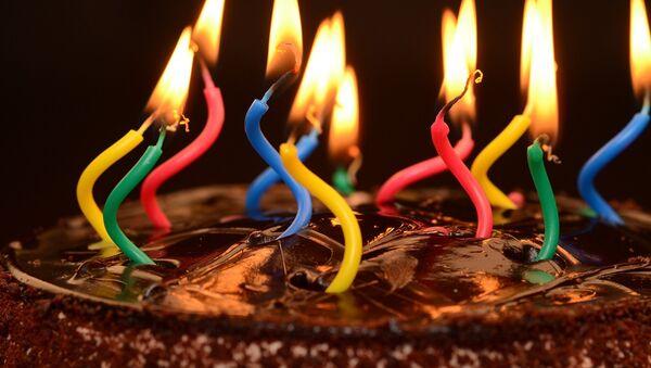 Un pastel de cumpleaños - Sputnik Mundo
