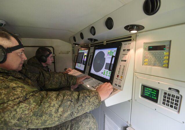 Los militares rusos practican el uso de sistemas antiaéreos desarrollados con la tecnología nacional (imagen referencial)
