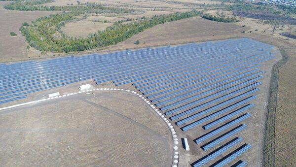 La primera central solar inaugurada en la región rusa de Sarátov - Sputnik Mundo