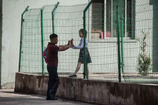 Ni una señal de preocupación: la rutina diaria del 'reino de Kim III' - Sputnik Mundo