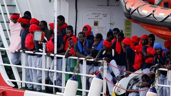 Migrantes en el Mediterráneo - Sputnik Mundo
