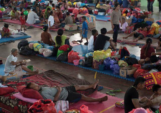 Personas evacuadas en Bali