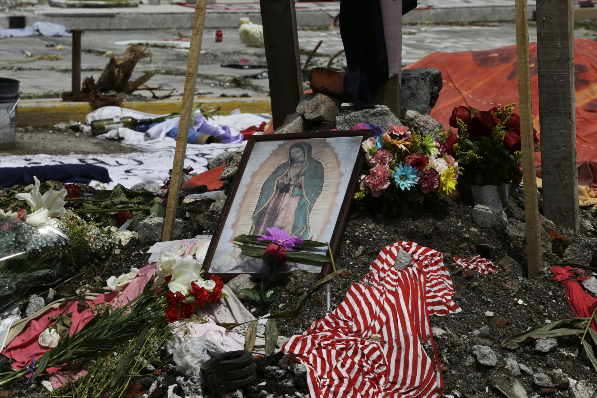 Homenaje a las víctimas del terremoto en México - Sputnik Mundo, 1920, 08.09.2021