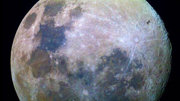 ISS Transits the Moon - Sputnik Mundo