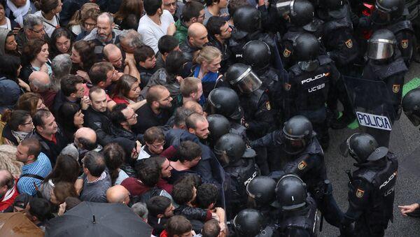 Guardia Civil española en Barcelona, Cataluña - Sputnik Mundo