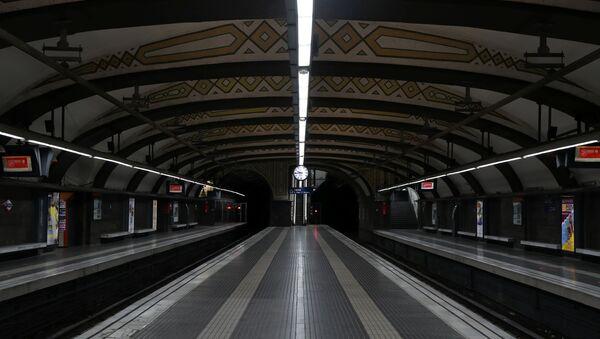 Platformas vacías del metro de Barcelona - Sputnik Mundo