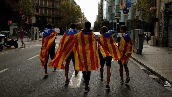 Estudiantes catalanes en Barcelona - Sputnik Mundo