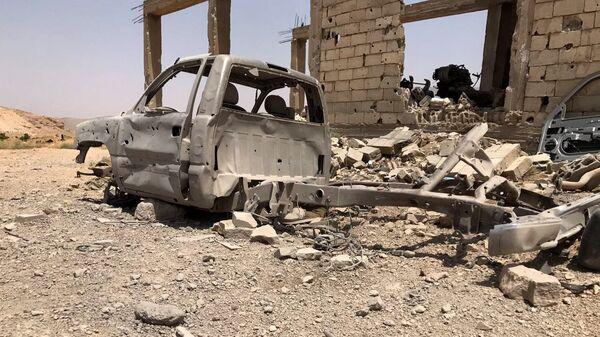 Una base destruida de los terroristas de Frente Al Nusra (archivo) - Sputnik Mundo