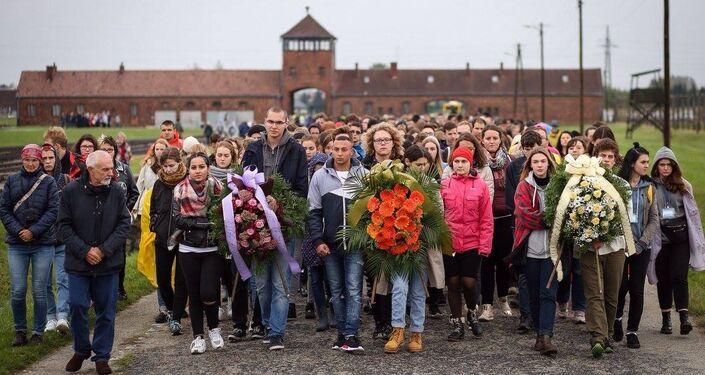 La marcha del silencio en Auschwitz