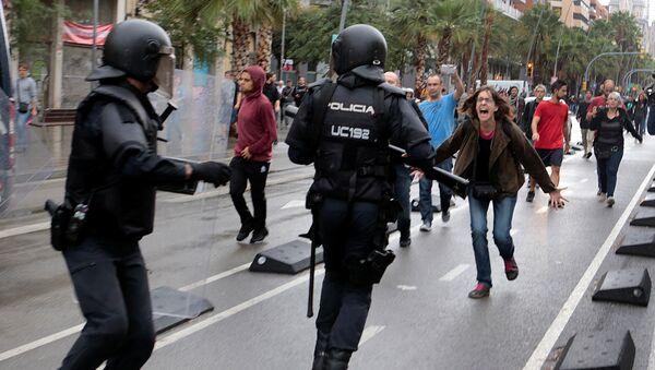 Disturbios en Barcelona - Sputnik Mundo