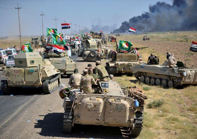 El ejército iraquí cerca de la ciudad de Hawija, Irak