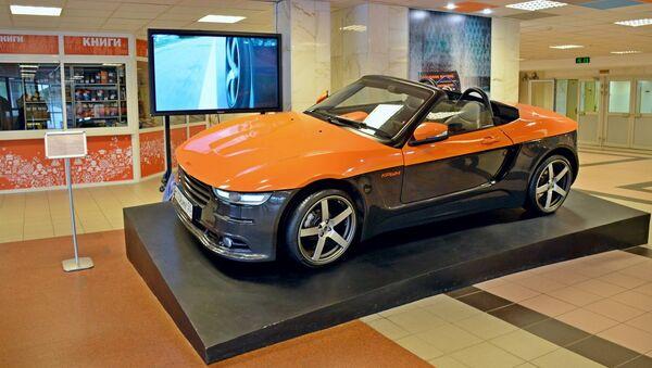 El prototipo del descapotable 'Crimea', presentado en la Universidad Técnica Estatal Bauman de Moscú - Sputnik Mundo