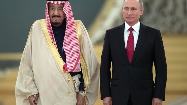 El rey de Arabia Saudí, Salman bin Abdulaziz Saud, y el presidente de Rusia, Vladímir Putin - Sputnik Mundo