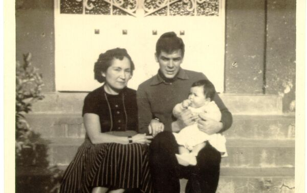 El Che Guevara con su hermana Hildita - Sputnik Mundo