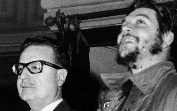 El Che Guevara y Salvador Allende - Sputnik Mundo