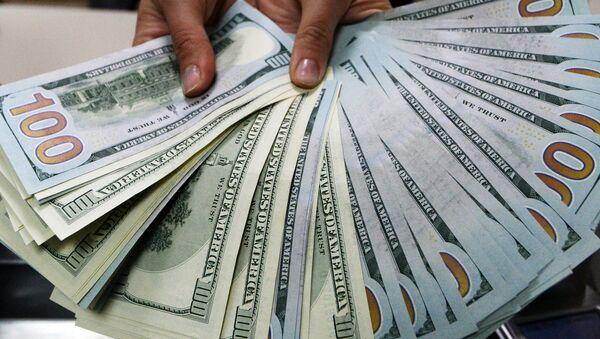 Billetes de 100 dólares (imagen referencial) - Sputnik Mundo