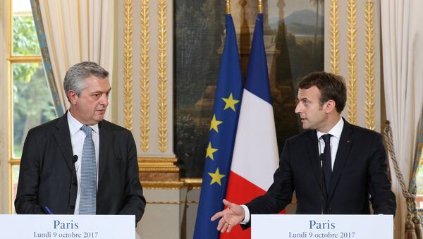 El Alto Comisionado de las Naciones Unidas para los Refugiados (Acnur), Filippo Grandi junto al presidente de Francia, Emmanuel Macron - Sputnik Mundo