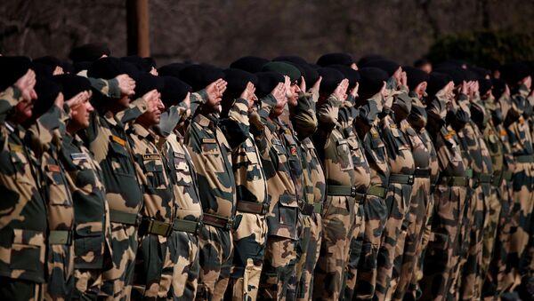 Soldados de las Fuerzas de Seguridad de las Fronteras de la India - Sputnik Mundo
