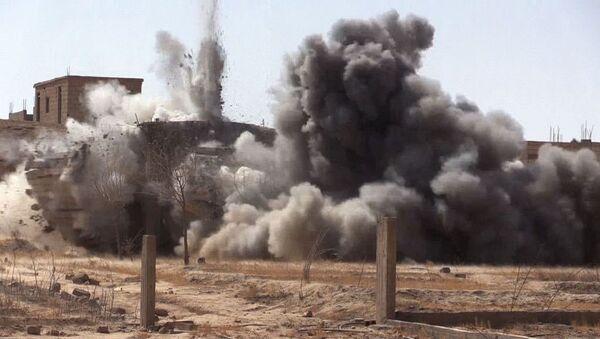Una explosión en Siria (imagen referencial) - Sputnik Mundo