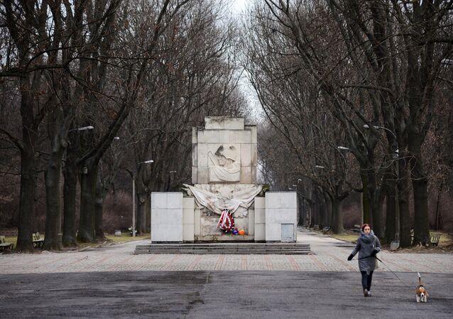 Un monumento a los soldados del ejército rojo en Varsovia, Polonia