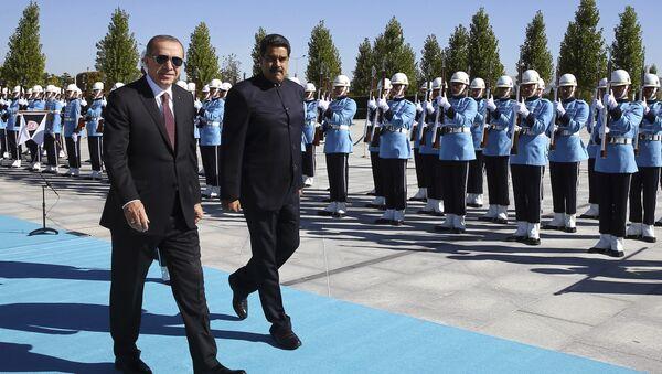 Nicolás Maduro, presidente de Venezuela, y Recep Tayyip Erdogan, presidente de Turquía, Ankara, 6 de octubre de 2017 - Sputnik Mundo
