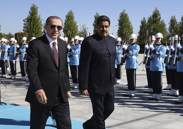 Nicolás Maduro, presidente de Venezuela, y Recep Tayyip Erdogan, presidente de Turquía, Ankara, 6 de octubre de 2017