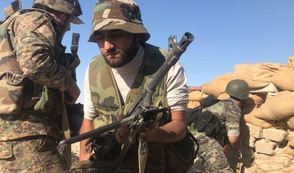 Los pormenores de la ofensiva del Ejército sirio sobre las posiciones de Daesh - Sputnik Mundo