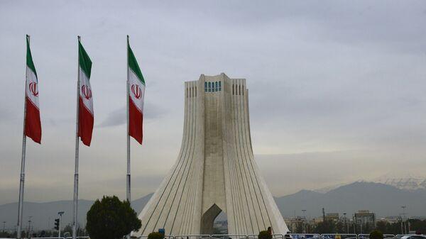 Banderas de Irán en Teherán - Sputnik Mundo