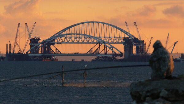 La construcción del puente de Crimea (archivo) - Sputnik Mundo