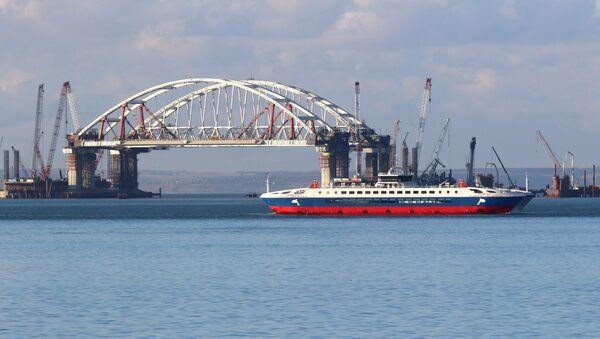 Las etapas de la grandiosa obra del puente de Crimea - Sputnik Mundo
