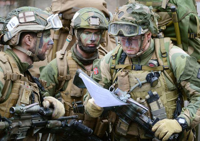 Militares noruegos (archivo)