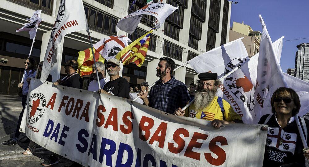Una manifestación antiguerra en Cagliari