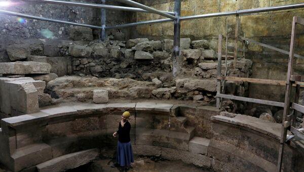 Excavaciones debajo del Muro de las Lamentaciones realizados por la arqueóloga Tehila Lieberman - Sputnik Mundo
