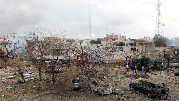 Lugar del atentado en Mogadiscio, Somalia - Sputnik Mundo