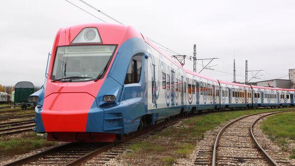 El Ívolga, el innovador tren suburbano de Transhmashholding, diseñado y construido con tecnologías rusas - Sputnik Mundo