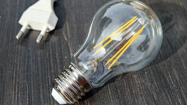 Una lámpara incandescente - Sputnik Mundo