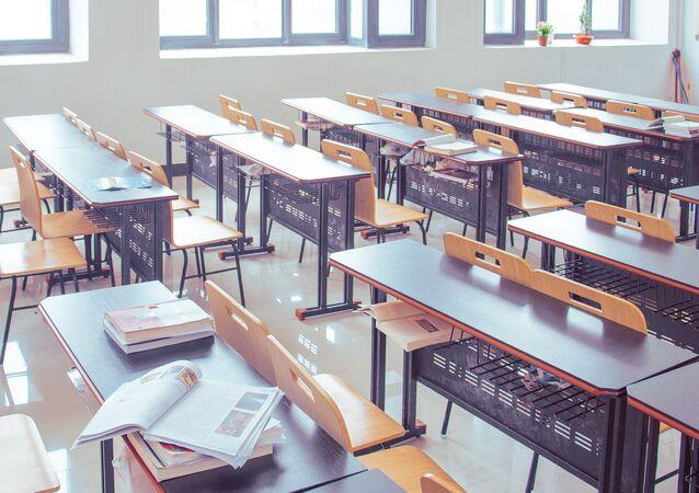 Una sala de clase vacía (imagen referencial)