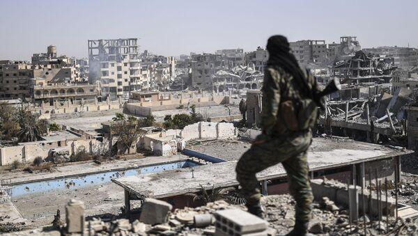 Las ruinas de Al Raqa, nueva muestra del 'doble rasero' de EEUU - Sputnik Mundo
