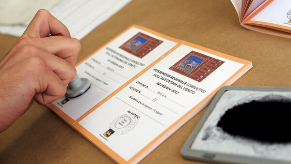 Un boletín durante el referéndum en Véneto - Sputnik Mundo