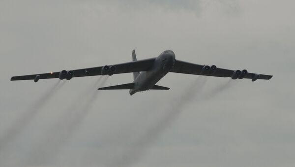 Un bombardero estadounidense B-52 (imagen referencial) - Sputnik Mundo