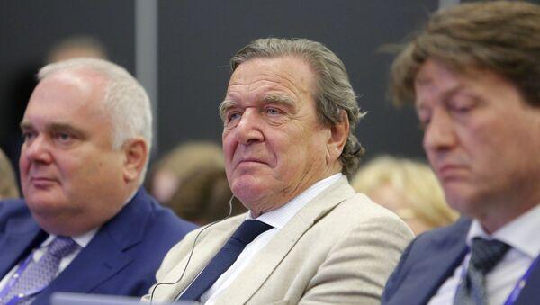 Gerhard Schröder, ex canciller alemán y presidente de la junta directiva de la petrolera estatal rusa Rosneft - Sputnik Mundo
