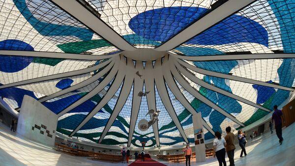 La Catedral de Brasilia, una de las obras emblemáticas de Oscar Niemeyer - Sputnik Mundo