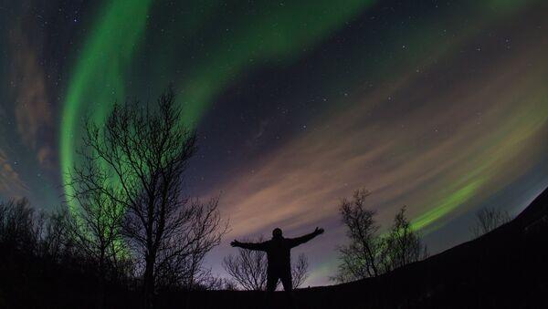 Aurora boreal en la región de Múrmansk - Sputnik Mundo