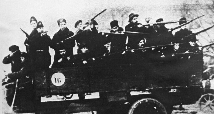 Uno de los destacamentos de la Guardia Roja que participó en el asalto al Palacio de Invierno de Petrogrado, en 1917