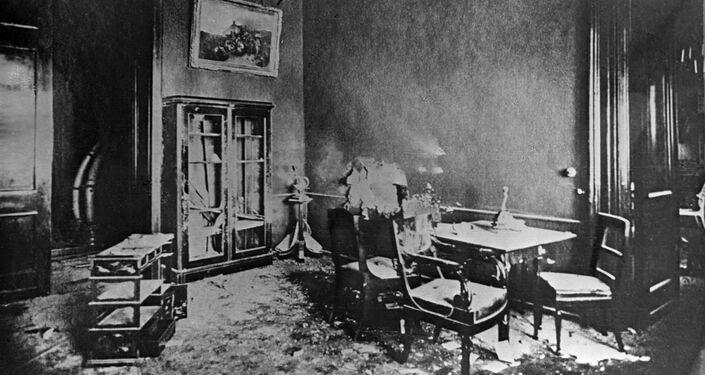 La recepción de Alejandro III de Rusia, donde cayó una de las granadas disparadas al palacio desde la Fortaleza de San Pedro y San Pablo