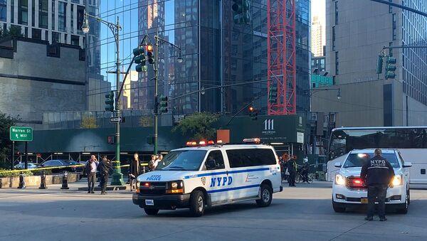 Policía en el lugar del atropello en Nueva York - Sputnik Mundo