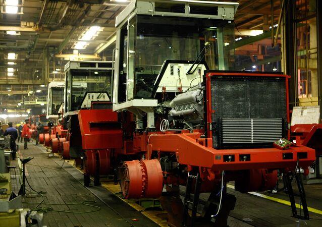 Fabricación de tractores Kirovets