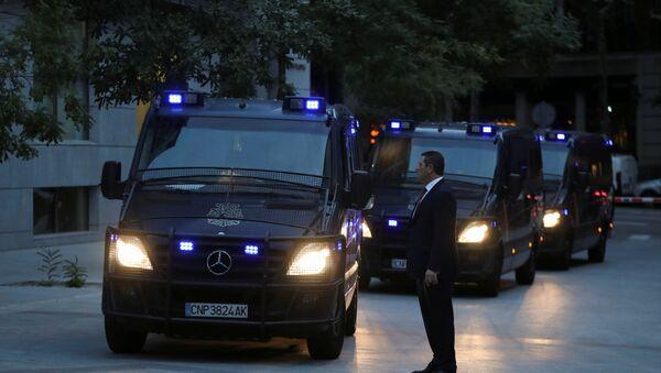 Vagonetas de la Policía Nacional de España - Sputnik Mundo