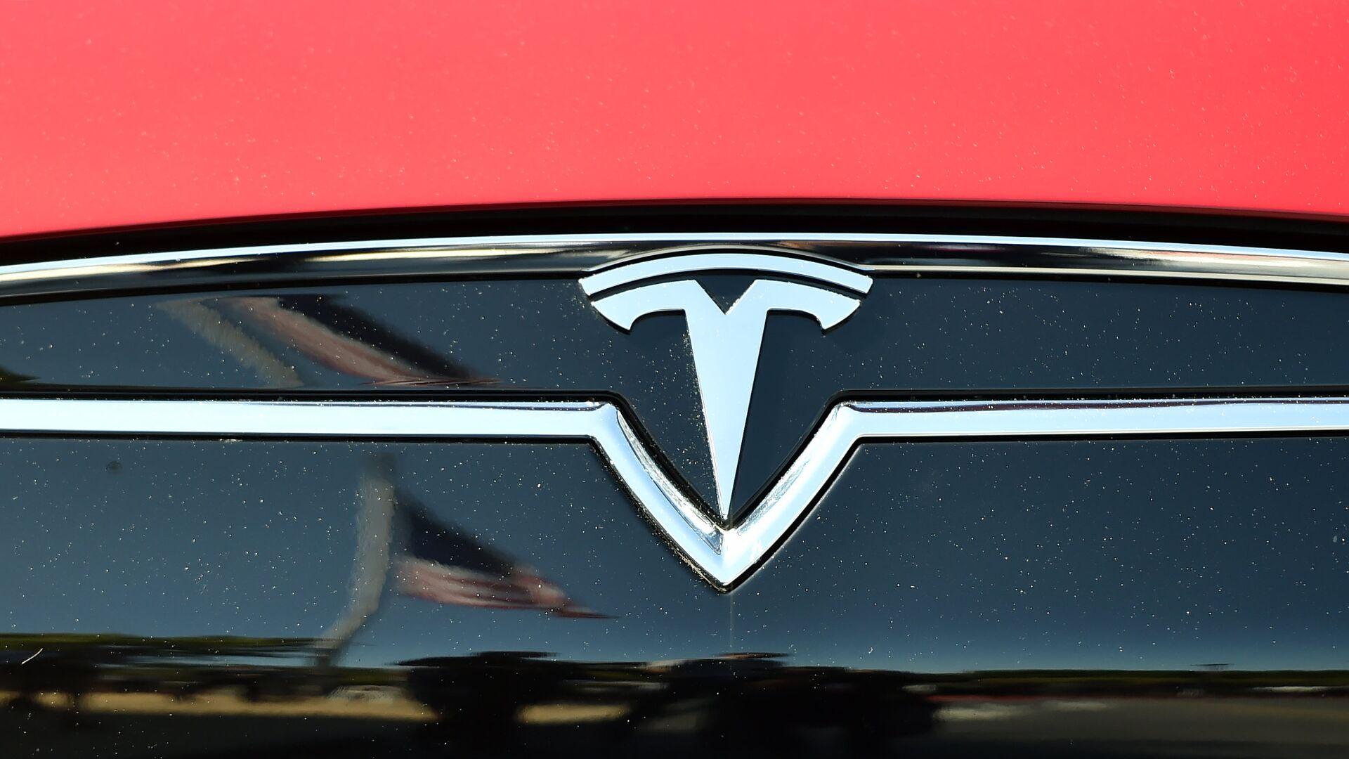 El logo de Tesla - Sputnik Mundo, 1920, 25.04.2021