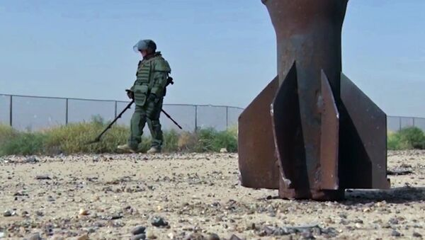 Un zapador ruso en Deir Ezzor - Sputnik Mundo